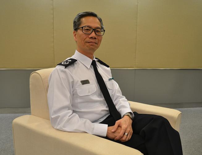 香港入境事务处助理处长陈孟麟接受人民网专访