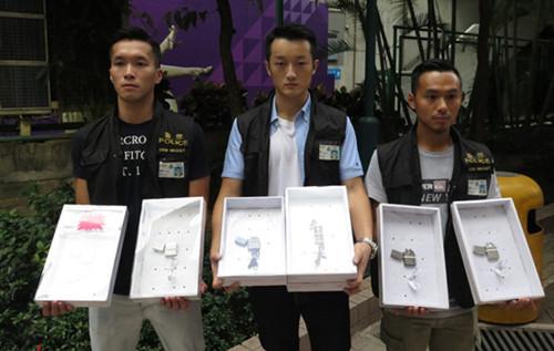 香港一商场涉非法售卖电弧打火机 警方拘捕女店员
