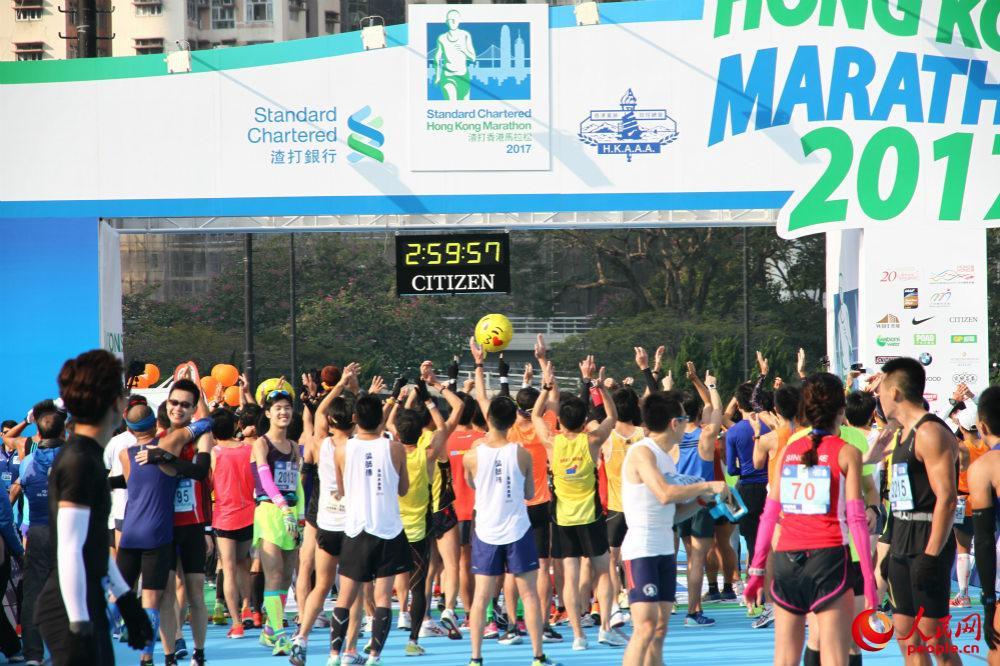 2017年香港渣打马拉松比赛举行