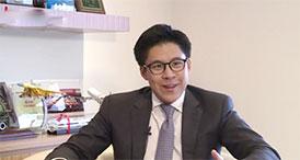 霍启刚        香港青年联会前主席霍启刚表示,香港回归那一刻使自己无比自豪。[详细]