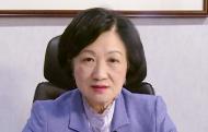 """叶刘淑仪见证了""""一国两制""""落实二十年的历程,挑战和机遇并存,未来随着国家的强大,香港也将与祖国共同进步。"""
