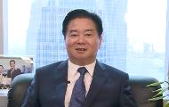 """林龙安相信,国家的强盛带动着香港企业的发展,帮助香港企业""""走出去"""",使香港成为滋生优秀企业的土壤。"""