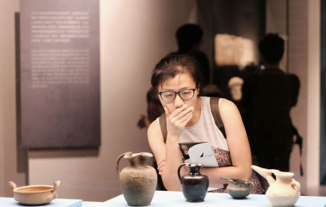 210多套古中东文物在港展出 重现奢华时代