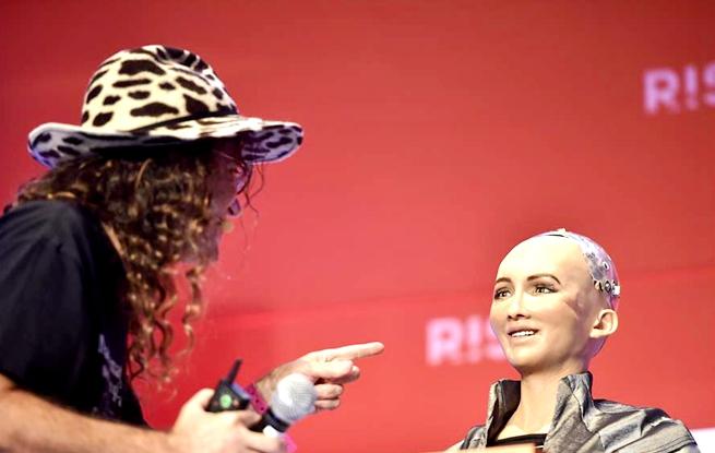AI如何帮助人类?――RISE科技峰会聚焦人工智能发展