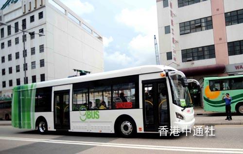 """图:香港首部""""超级电容""""巴士现身 (2)"""