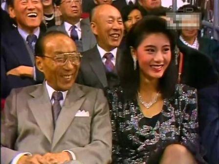 揭秘TVB大佬邵逸夫情感传奇 90岁扶正六旬女友